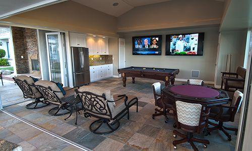 Bar / Game Room